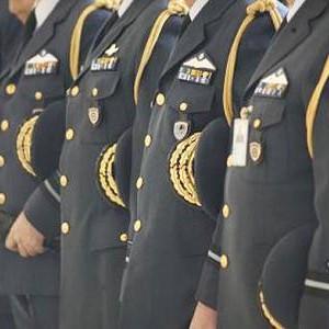 Μισθοί στρατιωτικών αστυνομικών λιμενικών πυροσβεστών