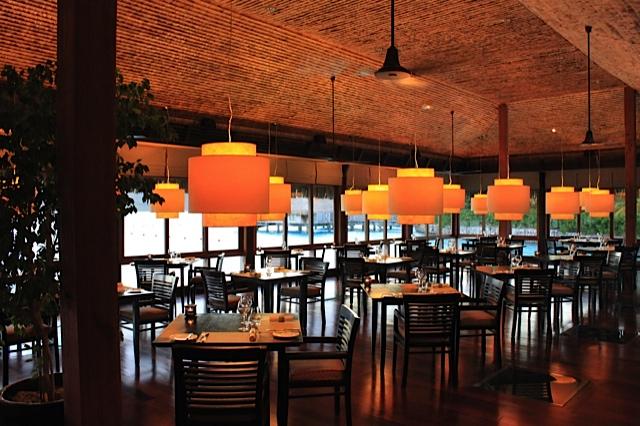 Bora-Bora-St.-Regis-Restaurant